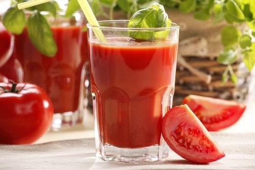 estresse, depressão e cansaço suco-de-tomate-500x334