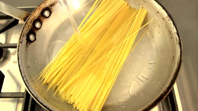 Cozinhar o macarrão mais rápído